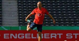 Arjen Robben revine in fotbal